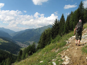 hiking in the summer in Morzine